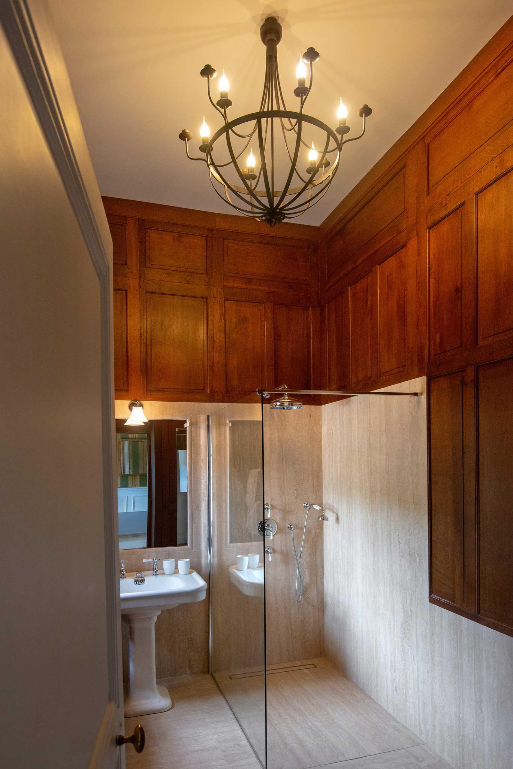 Maison du pavillon salle de bain bourron